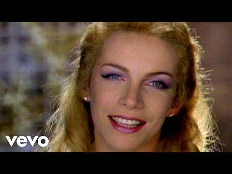 Eurythmics – There Must Be An Angel