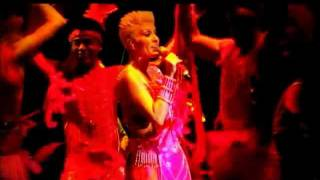 Yuri - Medley 80's ( 112º Aniversario de la Municipalidad de La Florida, Santiago - 04.12.2011 )