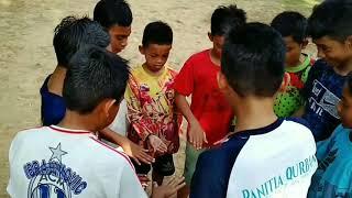 preview picture of video 'Abah paluy penyarikan habis di gesek'