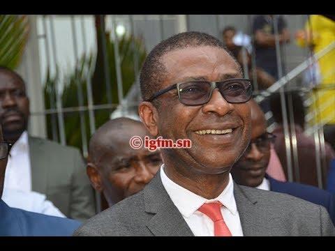 Vidéo: Youssou Ndour rend hommage à Mamoudou Ibra Kane et Alassane Samba Diop