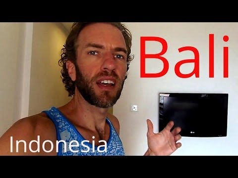 What Does A $30 Hotel Room In Bali, Indonesia Look Like?
