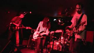 Yuck - Operation [Live at The Cooler, Bristol UK 08.10.2010]