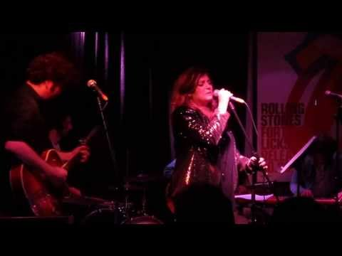 Lucy and the Diamonds @ The Post Office Coburg Nov 2013