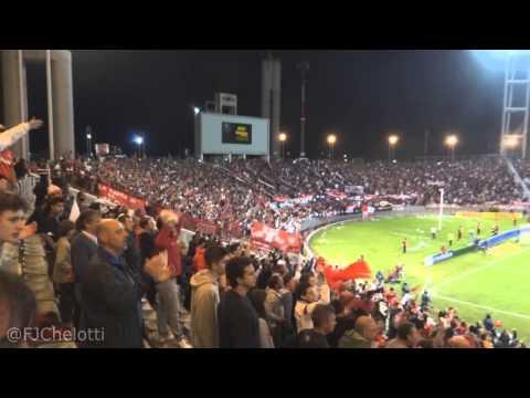 """""""""""Ole ole ole, cada dia te quiero más, soy del rojo..."""" Clasico de Verano 2014"""" Barra: La Barra del Rojo • Club: Independiente • País: Argentina"""