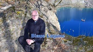 Blaue Lagune – Propst Dr.Reinhard Richter vor Ort