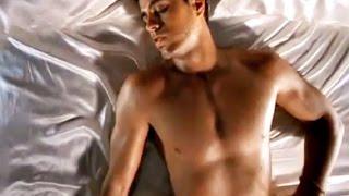 Enrique Iglesias - Sad Eyes (Mas es Amar (Official Video))