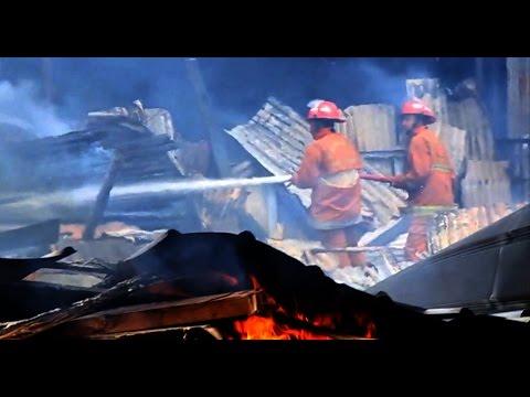 Lapak kayu di jl. Bhayangkara Serpong  terbakar, 11 unit mobil damkar dikerahkan