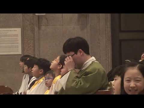 윤웅렬 하상바오로 신부님의 아름다운 노래와 신부님을 위한 어린이 성가대의 합창