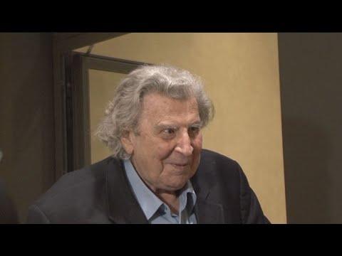 Έφυγε απο τη ζωή σε ηλικία 96 ετών ο μεγάλος μουσικοσυνθέτης Μίκης Θεοδωράκης