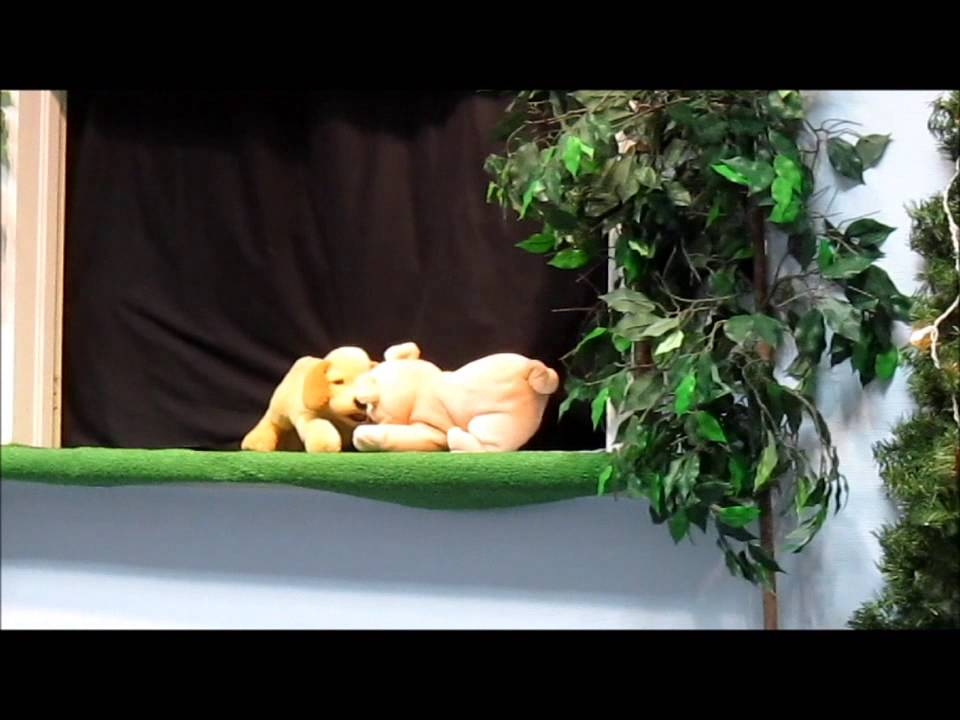 Valentines Day Puppet Story for Kids - Hugs and Kisses