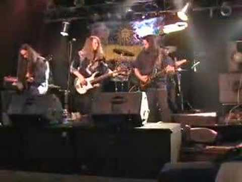 Headband plays Sabbath