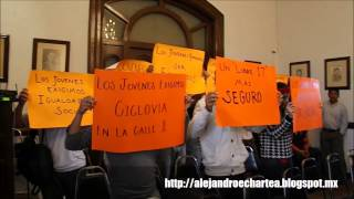 preview picture of video 'Protestan jóvenes en Cabildo de Ciudad Victoria'