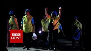 Thailand Cave rescue: Waiting for four rescue divers to emerge - BBC News - dooclip.me