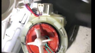 Beko WMB 71643 PTE pumpt nicht ab. Startet nicht. Gummi am Propeller verfangen Waschmaschinen Dienst
