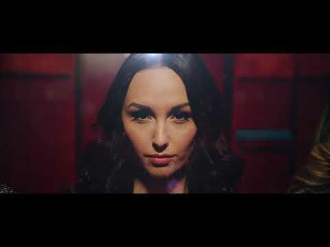 Helemaal Hollands - Dans Op De Tafel (Officiële videoclip)
