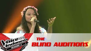 """Gadis """"Scars To Your Beautiful""""   The Blind Auditions   The Voice Kids Indonesia S2 GlobalTV 2017"""
