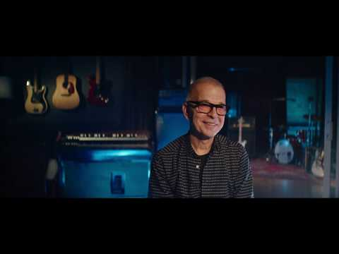Tony Visconti listens to David Bowie - Space Oddity in 360RA