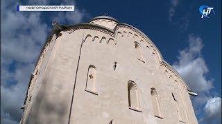 Дмитрий Медведев осмотрел результаты реставрации церкви на острове Липно