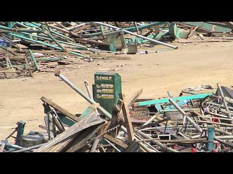 La Municipalidad de Lima impide que trabajadores rescaten sus balanzas de entre los escombros