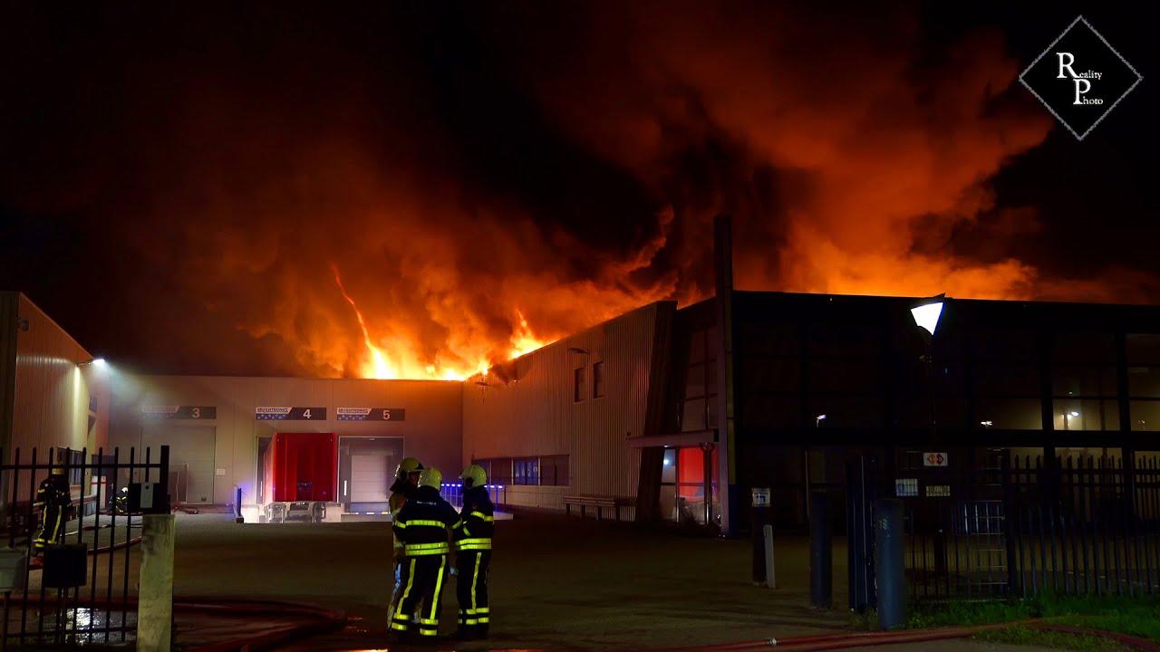 Zeer grote brand Lightronics Spuiweg Waalwijk
