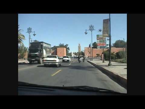 Met de auto door Marrakech