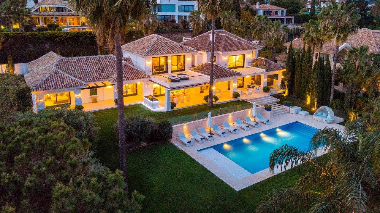 Villa contemporánea con toques artísticos y vistas fantásticas en la Cerquilla, Nueva Andalucía, Marbella