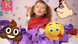 СМАЙЛ ЧЕЛЛЕНДЖ Emoji Challenge Катюшка изображает Смайлы. Развлечение для детей