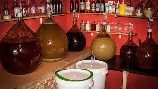 Wino jabłkowe cz. 3 Zlewanie wina znad osadu