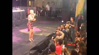 """Goapele performing """"Hey Boy"""" at the BET Experience 2014"""