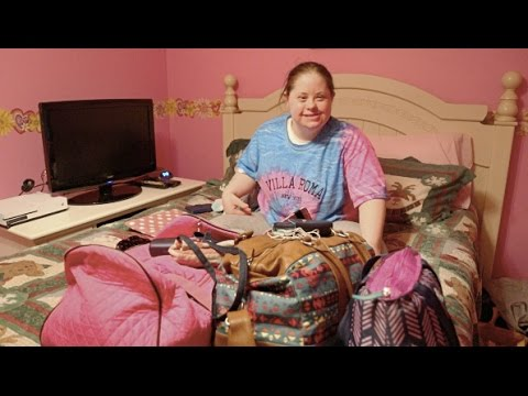 Ver vídeo Woman with Down Syndrome faces daily challenges with a smile