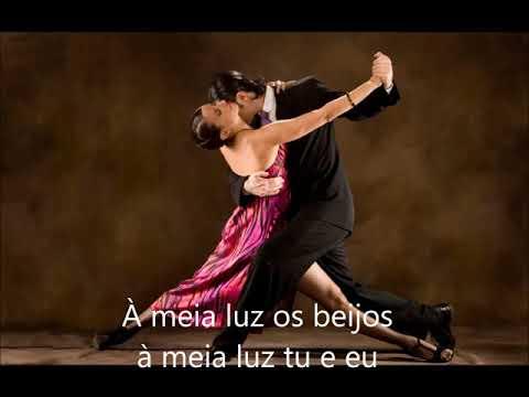 A Media Luz -  Julio Iglesias(com legenda)