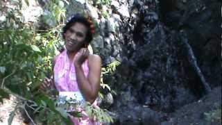 preview picture of video 'Lagu Madura Wahyuni Amalia - Ataleh Sompah. Lipsing di Gunung Putri Tidur'