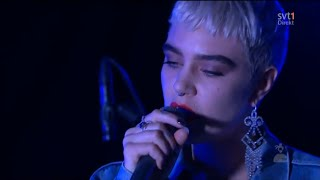 Beatrice Eli - Trust Issues @ Hela Sverige skramlar, 2015, live, Globen, Stockholm, intro Icona Pop