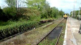 preview picture of video 'Train From Preston Arriving At Ormskirk Station.'