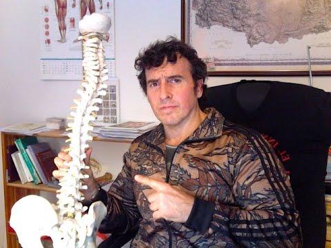 Spina dorsale di esercizio scoliosis su un prolungamento