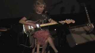 "Tanya Donelly Live ""Low Red Moon / Dusted"" 10/6/07"