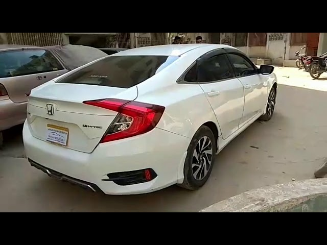 Honda Civic 1.8 i-VTEC CVT 2016 for Sale in Karachi