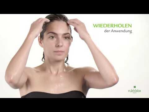 Das Haar prolabiert von den Fetzen worin der Grund