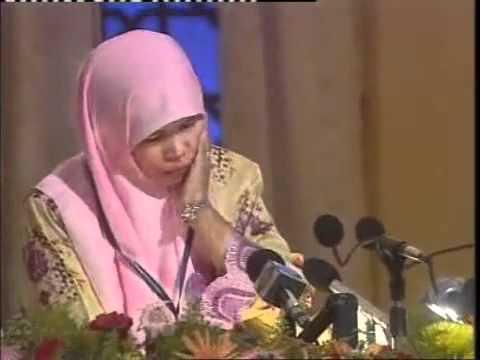 Malaysian Hanishah Abdullah reciting Quran