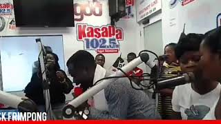 KING DAVID OF THE OLD TESTAMENT IS BACK.. SK FRIMPONG MAKES MANY CRIES AT THE PREMISES OF KASAPA FM