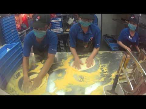 Biểu diễn làm bánh Pizza xôn xao cộng đồng mạng!!! (How to Make Pizza) [4k, Full HD]