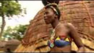 Pretty Zulu Girls show their Wedding Dance.