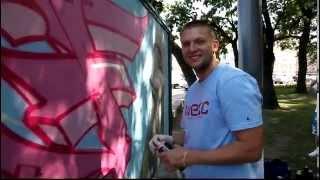 Fuze (KREC)пропагандирует Street-Art на Дворцовой площади.