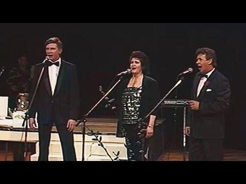 Nora Bumbiere, Viktors Lapčenoks un Ojārs Grīnbergs - Teic, kur zeme tā (Mikrafonam 25)
