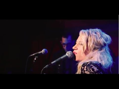 Lucy Woodward - I Don't Know (LIVE)