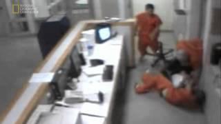 Wiezniowie ratuja straznika przed smiercia // Prisoners saved guard from dead !!!