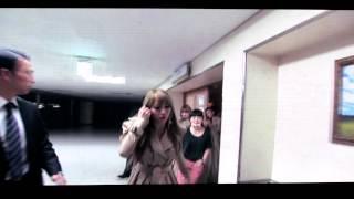 120817 I'm Busy (video) - 2NE1