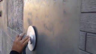 איך לבצע החלקת בטון על קיר קיים