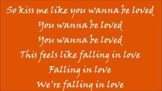 Ed Sheeran - Kiss Me (lyrics)