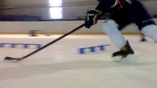 preview picture of video 'Trénink vedení kotouče - Hokejové centrum mládeže (Kladno)'